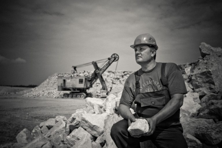 Faites de la prospection qualifiée avec Minelead, solution de prospection automatisée.